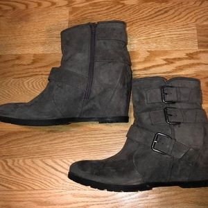 Unisa grey suede wedge heel boots.